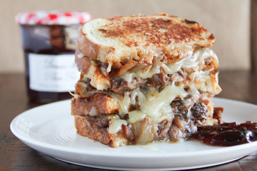 Grilled Cheese With Smoked Pulled Beff